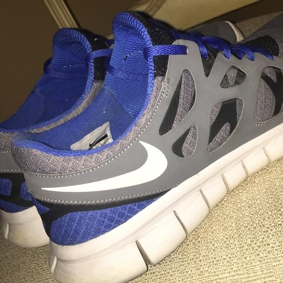 53da50037e6e NIKE FREE RUN 2 Athletic Shoes - Like New! M 5a51af1d50687c2bee0428e8